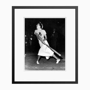 Knockout Ava Archival Pigment Print in Schwarz von Everett Collection gerahmt