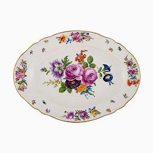 Grand Plat Antique en Porcelaine Peinte à la Main avec Motifs Floraux de KPM, Berlin