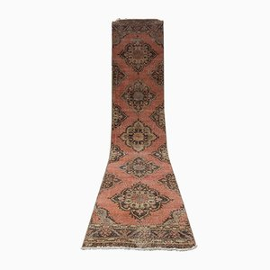 Alfombra de pasillo turca anatolia vintage con diseño tradicional de Oushak tejida a mano, años 70