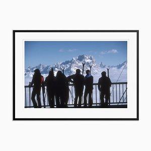 Stampa Cortina d'Ampezzo Oversize C con cornice nera di Slim Aarons