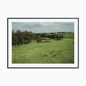 Polo Match Oversize C Print in Schwarz von Slim Aarons