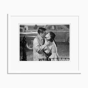 Stampa George Peppard e Audrey Hepburn a cornice bianca
