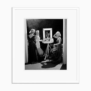 Blondes Have More Fun Silbergelatine Harz Print in Weiß von Frank Worth gerahmt