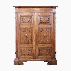 Armadio grande antico in legno di noce massiccio, inizio XVIII secolo
