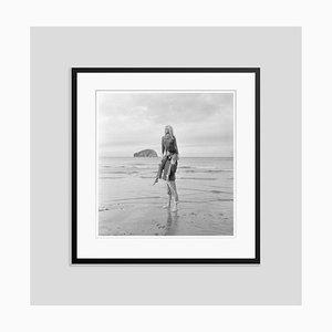 Stampa Brigitte Bardot argentata e verniciata in nero di Jim Gray