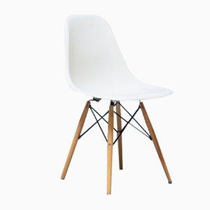 Mid-Century Fiberglas Esszimmerstühle von Charles & Ray Eames für Herman Miller, 6er Set