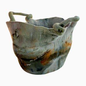 Laço natürlich gefärbte Vase aus gefilzter Wolle von Inês Schertel, Brasilien, 2020