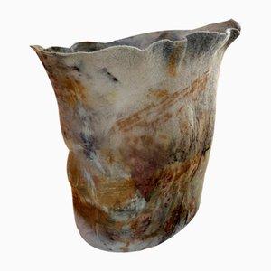 Vase Querido Naturellement Teint en Laine par Inês Schertel, Brésil, 2020