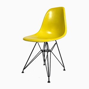 Silla de comedor DSW amarilla de Charles & Ray Eames para Herman Miller, años 80