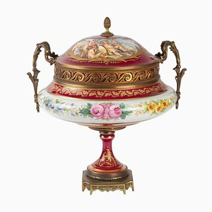 19th Century Napoleon III Important Porcelain Candy Box