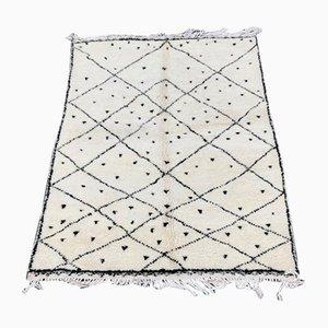 Weißer Vintage Beni Ouarain Berberteppich