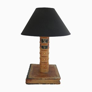 Lampada da tavolo antica con rilegatura in pelle