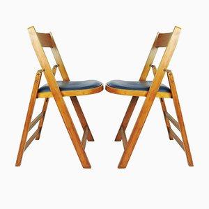Sillas plegables de madera con asientos de vinilo azul de Stoe Benchairs. Juego de 2