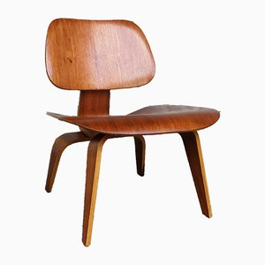 Walnut LCW Lounge Chair by Charles & Ray Eames for Evans / Herman Miller, 1940s