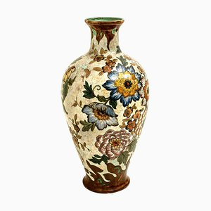 Große handbemalte Vase von Gouda Plateelbakkerij Zuid-Holland, 1930er