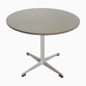 Tavolino da caffè circolare vintage di Arne Jacobsen per Fritz Hansen