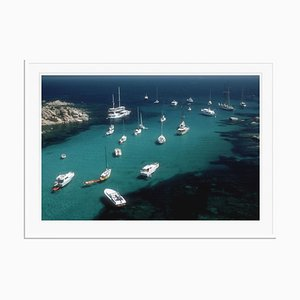 Stampa Cavallo Coast oversize C con cornice bianca di Slim Aarons