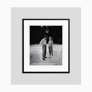 Eddie Fisher und Debbie Reynolds Archival Pigment Print Gerahmte in Schwarz von Bettmann