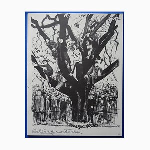 Escultura de árbol encaramado en un árbol de Hélène Guastalla, 1963