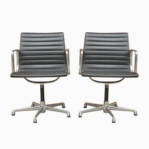 Italienische Mid-Century Modell EA 108 Schreibtischstühle von Charles & Ray Eames für ICF De Padova, 2er Set