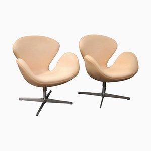 Sedia modello 3320 Swan di Arne Jacobsen per Fritz Hansen, 2013