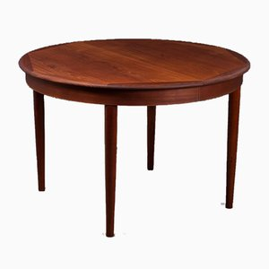 Mid-Century Danish Teak Round Extendable Dining Table, 1960s