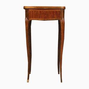 Tavolino in legno intagliato, Francia