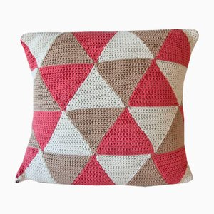 Salmon Triangle Geométrica Cushion from Com Raiz