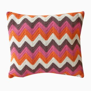 Multi-Colored Zig Zag Geométrica Cushion from Com Raiz