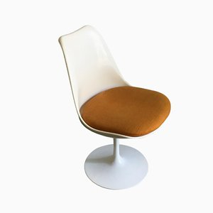 Vintage Tulip Chair by Eero Saarinen
