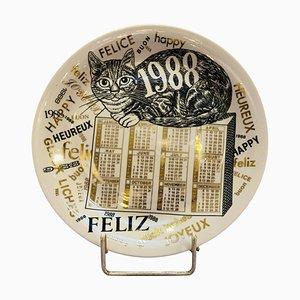 Piatto Calendar in porcellana di Piero Fornasetti, 1988