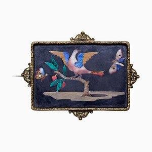Kleiner Antiker Teller mit Vogel Zwischen Zwei Schmetterlingen