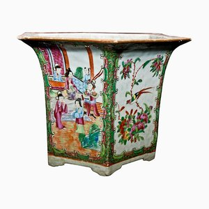 Late-19th Century Chinese Canton Flower Vase