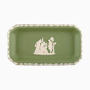 Kleine Schale aus grünem Steingut mit klassischen Szenen von Wedgwood, England, 1930er