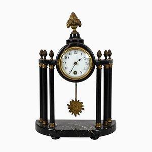 Orologio da camino antico con doratura, Francia, metà XIX secolo