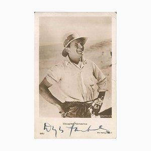 Foto-Postkarte mit Portrait und Autogramm von Douglas Fairbanks - 1930 ca. Ca. 1930
