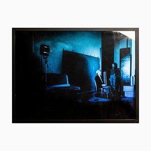 Ritratto di Andy Warhol in posa su sfondo blu - di G. Bruneau - anni '80