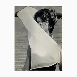 Retrato de Mina - Fotografía vintage original - años 60 1960s