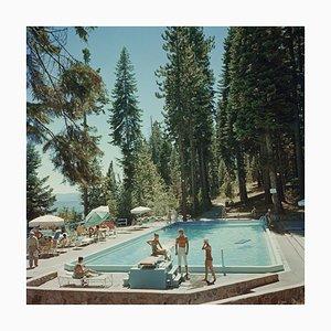Pool At Lake Tahoe Oversize C Print Encadré en Blanc par Slim Aarons