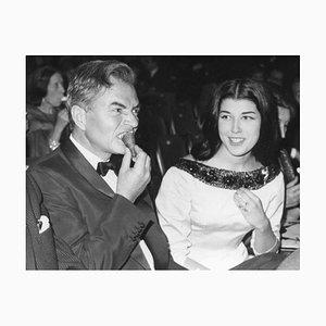 James Mason und Patrizia De Blanck - Original Vintage Fotografie - 1960er Jahre 20. Jahrhundert
