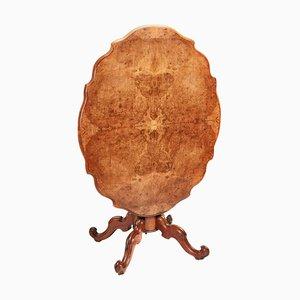 Antiker viktorianischer Tisch aus geschwungenem Nussholz mit Kippfunktion, 1850er