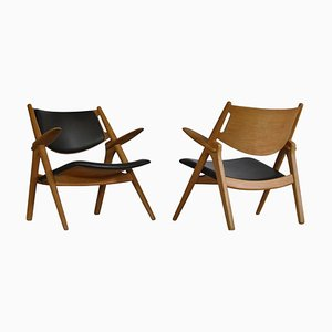 Oak and Dark Green Leather Lounge Chairs by Hans J. Wegner for Carl Hansen & Søn, 1960s, Set of 2