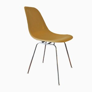 Sedia DSX in fibra di vetro di Charles & Ray Eames per Herman Miller, anni '50