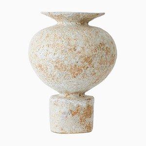 Áptera 4 Stoneware Vase by Raquel Vidal and Pedro Paz