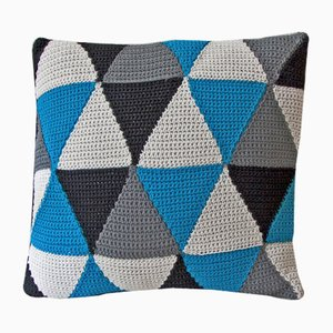 Black & Blue Triangles Geométrica Cushion from Com Raiz