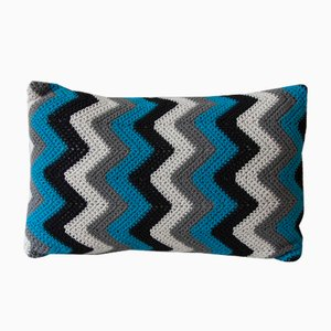 Black & Blue Zig Zag Geométrica Cushion from Com Raiz