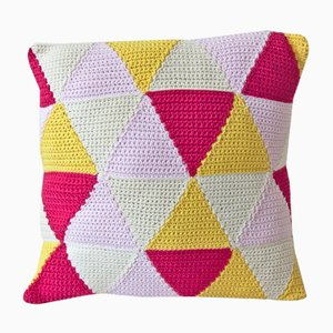 Light Pink Triangles Geométrica Cushion from Com Raiz