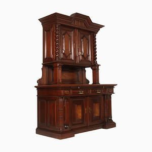 19th Century Italian Renaissance Sideboard in Carved Solid Chestnut