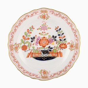 Meissen Plate in Hand-Painted Porcelain with Floral Decoration and Gold Edge
