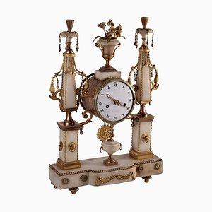 Orologio da tavolo in marmo dorato e marmo bianco, Francia, XVIII secolo